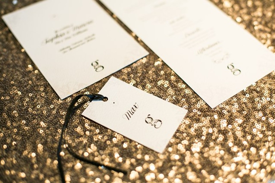 4 Lovable & Crazy Ways To Invite Your Friends For Wedding